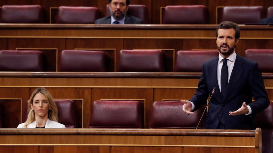 El líder del PP, Pablo Casado, interviene en la primera sesión de control al Gobierno desde que se declaró el estado de alarma el pasado 14 de marzo