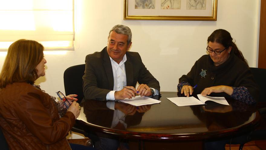 Aurelio Abreu y la presidenta de Afiten Carmen Nieves Rodríguez.