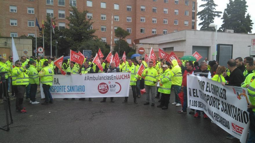 Los trabajadores de ambulancias harán dos jornadas de huelga en mayo si no se desbloquea el convenio colectivo