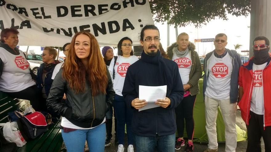 Inma Évora, esta mañana de jueves, en el lugar donde acampaba, en Santa Cruz