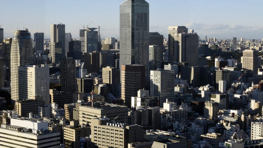 Vista de la ciudad de Tokio (Japón).  El Banco de Japón asegura que la confianza en la evolución de la economía japonesa volvió a empeorar en junio respecto a marzo, su sexto descenso trimestral consecutivo, que sitúa al indicador en su nivel más bajo desde junio de 2009.