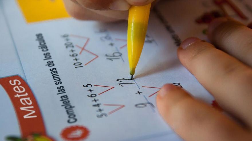 Ejercicios de matemáticas. (CA).