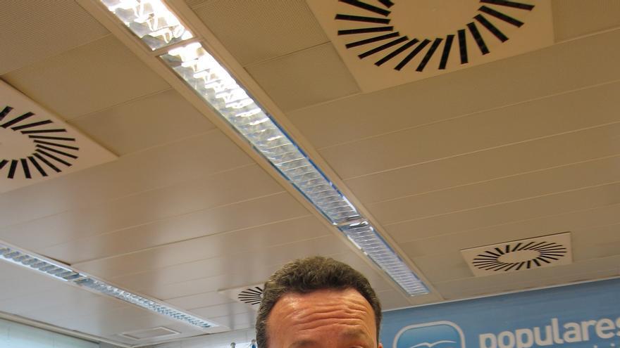 """PP en Asamblea de Madrid señala que entre preparar los exámenes y amañarlos """"hay una diferencia muy grande"""""""