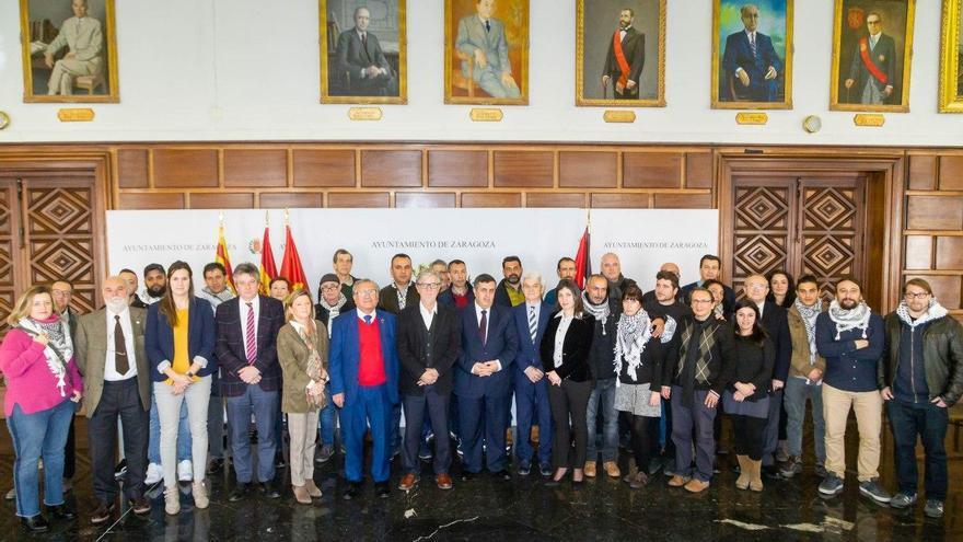 El alcalde de Zaragoza con la expedición llegada desde Belén