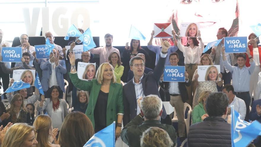 Elena Muñoz y Feijóo durante un mitin en Vigo en la pasada campaña electoral