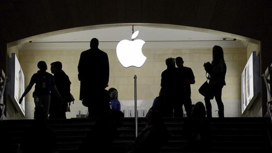 Apple sube más del 1 por ciento en la bolsa tras publicarse que prepara un reloj inteligente