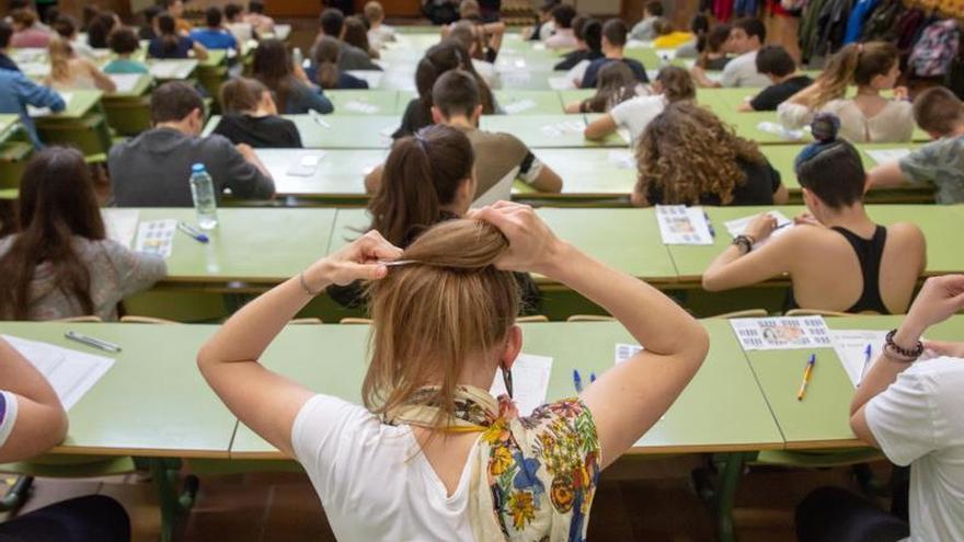 Educación tendrá en cuenta la petición sobre filosofía en la reforma de la Lomce