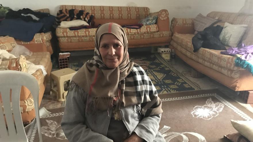 Aziza, la madre de Nahub, uno de los tunecinos atrapados en Melilla.
