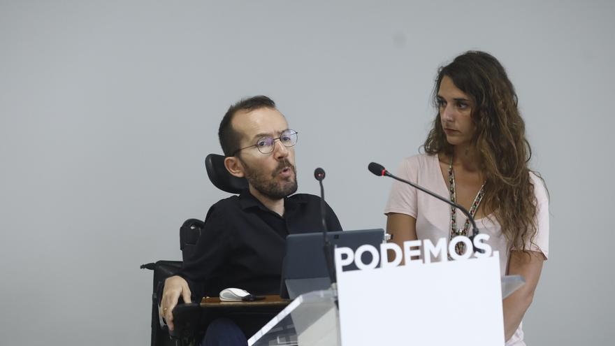 """Podemos avisa al PSOE de que """"sólo por la vía parlamentaria"""" no se """"descabalga"""" al PP e insiste en una moción de censura"""