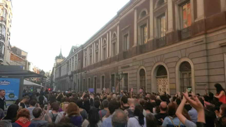 Concentración ante el Ministerio de Justicia en protesta por la sentencia a La  Manada
