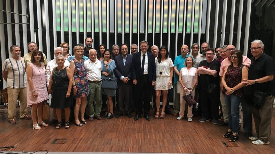 Representantes del mundo de la cultura en el acto de respaldo a la candidatura de Puig a la secretaria general del PSPV.