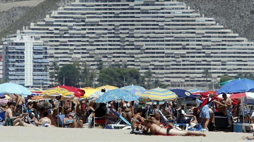 El alojamiento extrahotelero sube un 12,3 % en octubre por el turismo nacional