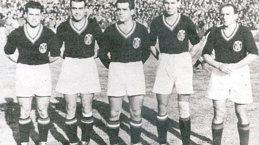 Delantera española en el partido ante Suiza (3-2) jugado en Mestalla y compuesta por Epi, Herrerita, Mundo, Campos y Gorostiza.