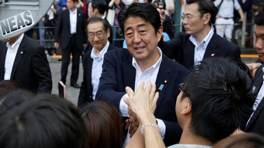 Abren los colegios electorales en Japón para las elecciones a la Cámara Alta