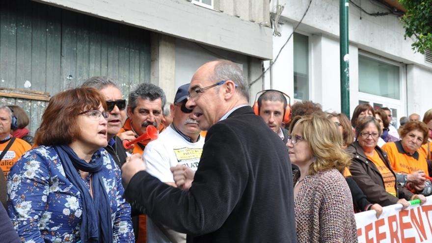 Jorquera (BNG), con preferentistas ante el Parlamento de Galicia