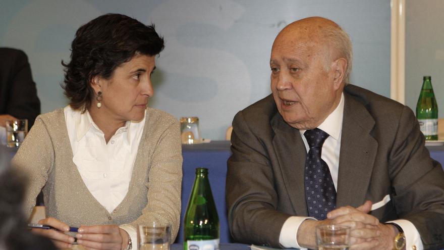 Álvaro Lapuerta, junto a María San Gil, en una reunión del Comité Ejecutivo Nacional del PP en marzo de 2008. Foto: Ballesteros / Efe. height=362