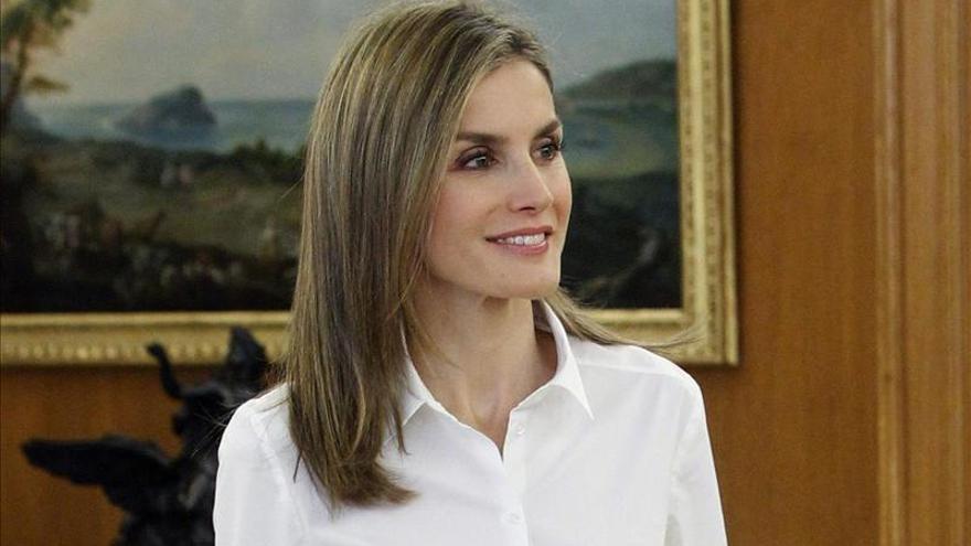La Reina celebra hoy su cumpleaños entre periodistas, en el Senado