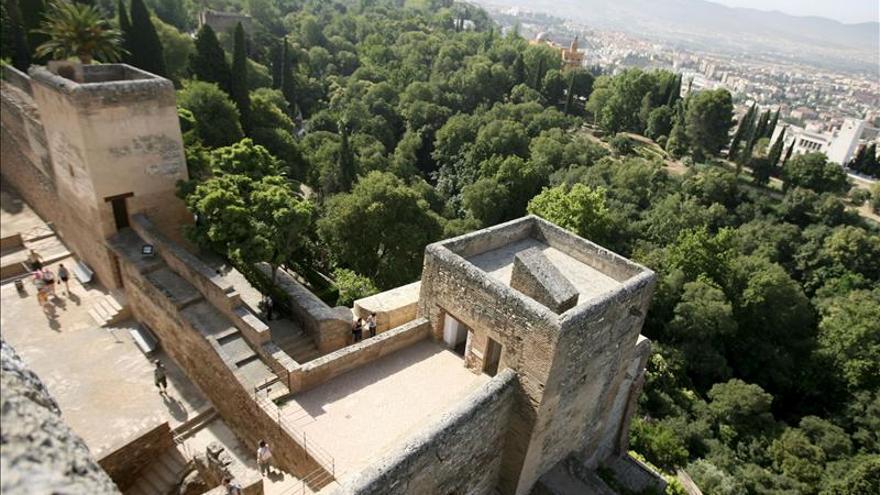Resultado de imagen de torre de la polvora alhambra