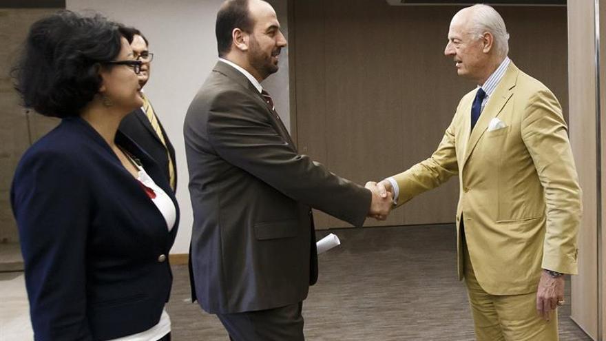 El mediador de la ONU revela que la negociación sobre la tregua siria sigue en Ammán