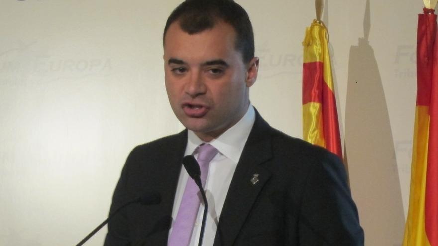 """El alcalde de Terrassa (PSC) pide dos """"referéndums vinculantes"""" sobre autogobierno y política social"""