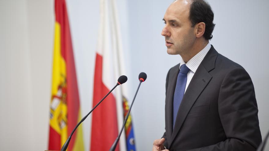 """Presidente cántabro ve """"razonable"""" la propuesta de Monago de limitar el mandato de los presidentes a dos legislaturas"""