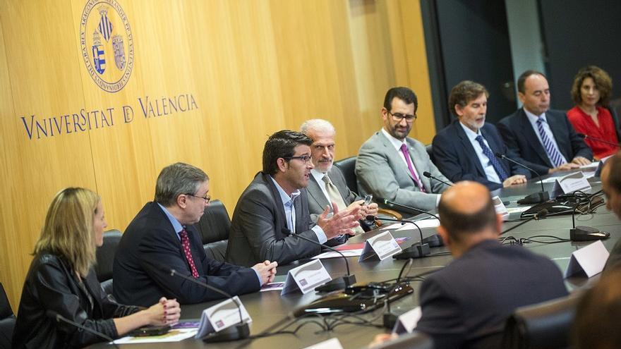Unisocietat se ha presentado en la Universitat de València