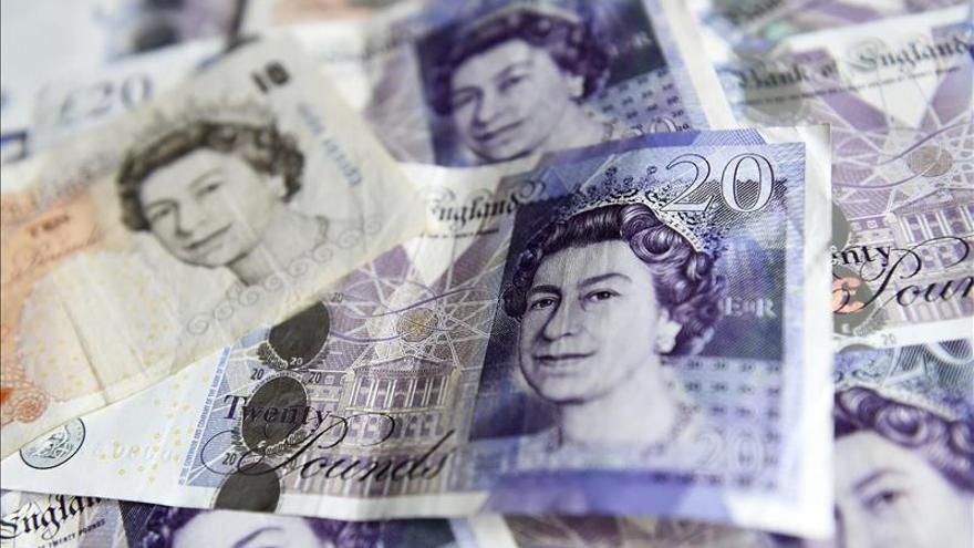Un 93 % de los británicos paga más en impuestos que recibe en ayudas sociales
