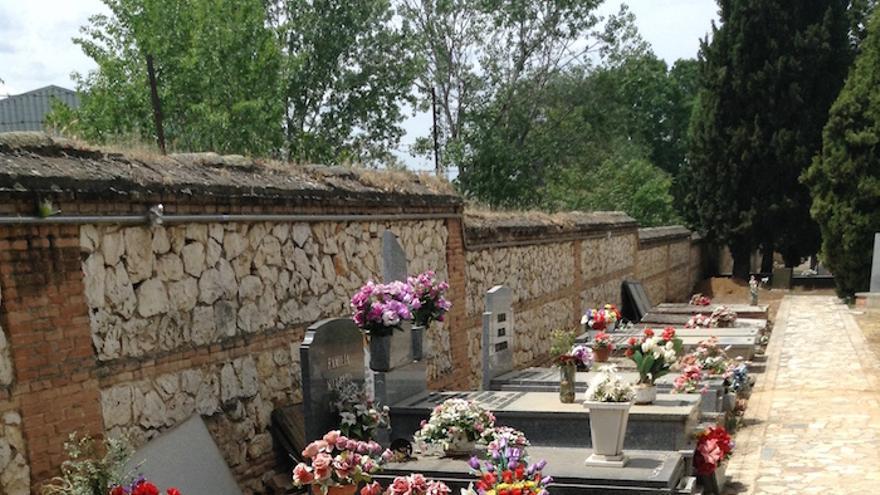 Serie de fosas comunes del cementerio civil de Guadalajara