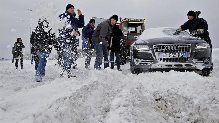 Accidentes por la nieve en Francia causan cinco muertos y más de 20 heridos