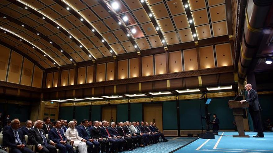 Turquía inicia tres meses de estado de emergencia que amplía los poderes del Gobierno