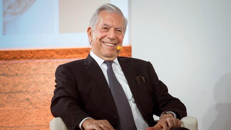 """Vargas Llosa espera que el Gobierno impida el """"golpe de Estado"""" en Cataluña"""