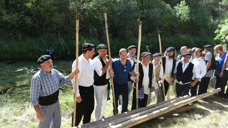 Page en fiesta tradicional ganchera del Alto Tajo