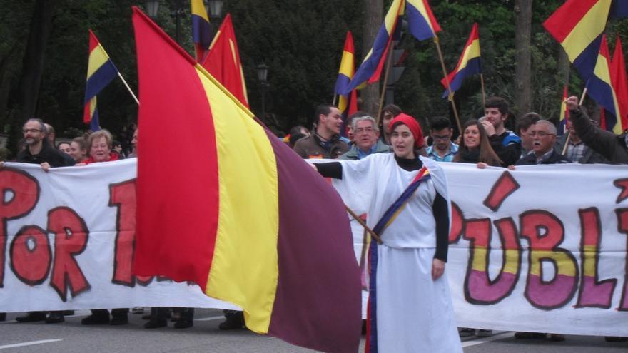 Una protesta en apoyo a la II República y por la reclamación de una tercera / EFE