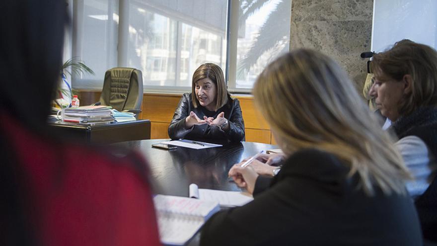 María José Sáenz de Buruaga durante una reunión en el PP.