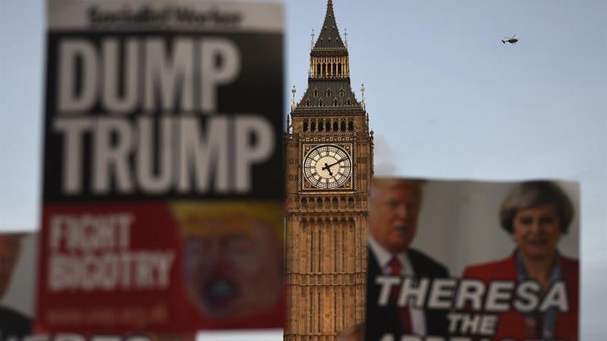 """Trump retrasa su visita al Reino Unido para eludir las protestas, según """"The Sun"""""""