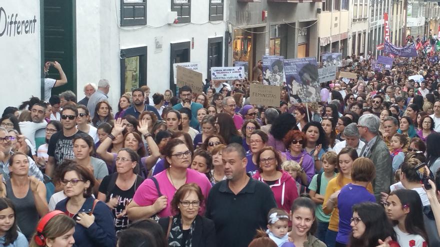 Numerosas personas asistieron a la manifestación.