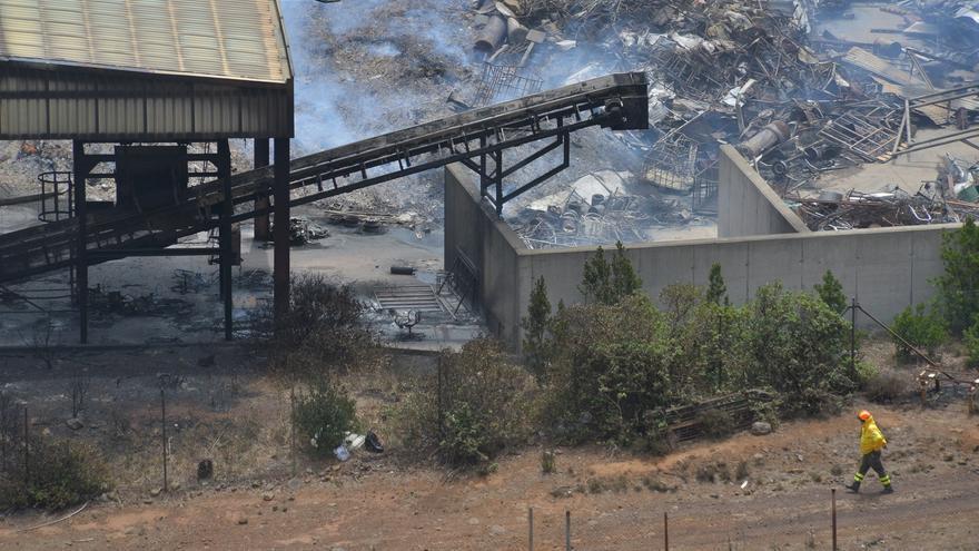 Controlado el incendio en el complejo ambiental de El Hierro