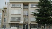 Fachada del colegio Antonio Valbuena, uno de los centros donde se sirvieron larvas de gusano.