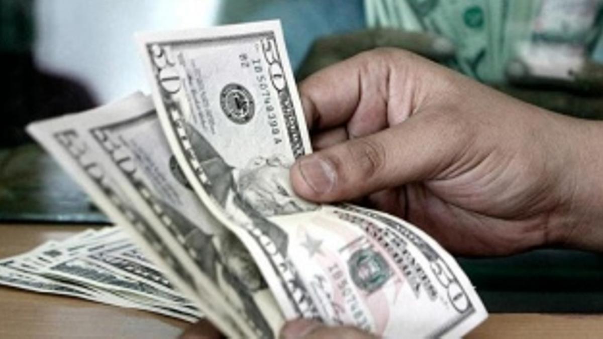El dólar ya no vale tanto en los mercados paralelos como a fines de octubre.