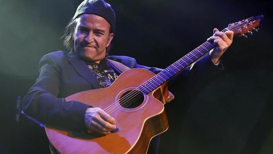 Álvaro Urquijo: En internet la música se regala y a los artistas les expolian