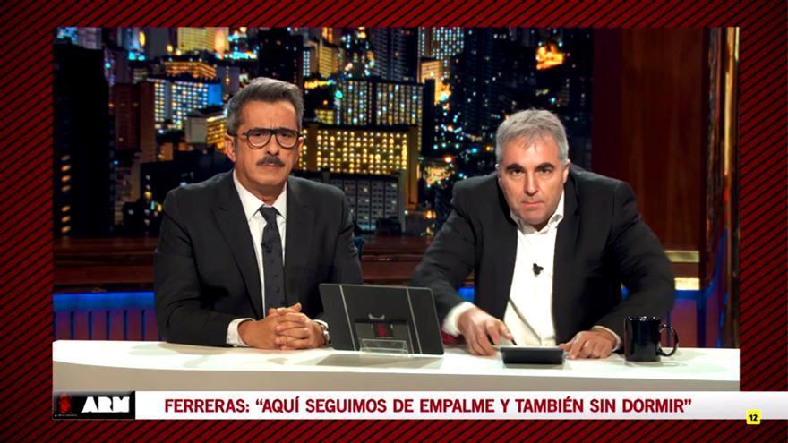 Buenafuente habla con el clon de Ferreras, interpretado por Raúl Pérez, en Late Motiv