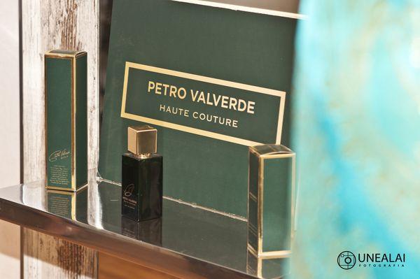 El nuevo perfume de Petro Valverde   Fotografía: UNEALAI