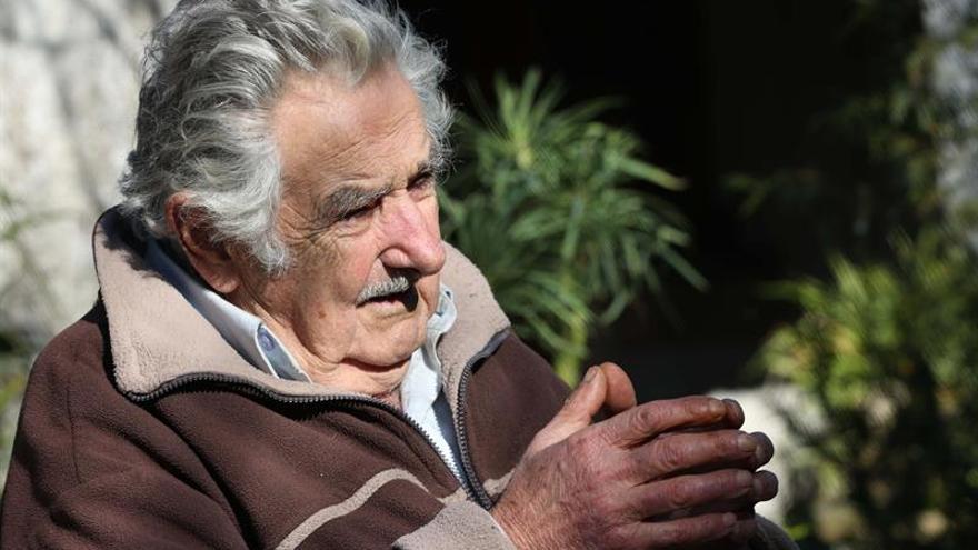 """Mujica renuncia a su cargo de senador por motivos personales y """"cansancio"""""""