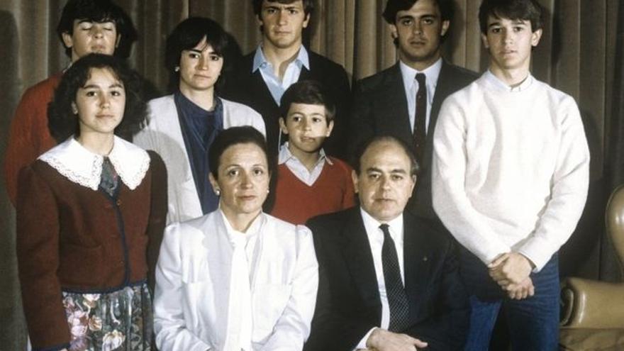 Imagen de la familia Pujol-Ferrusola al completo durante los años 80./EFE