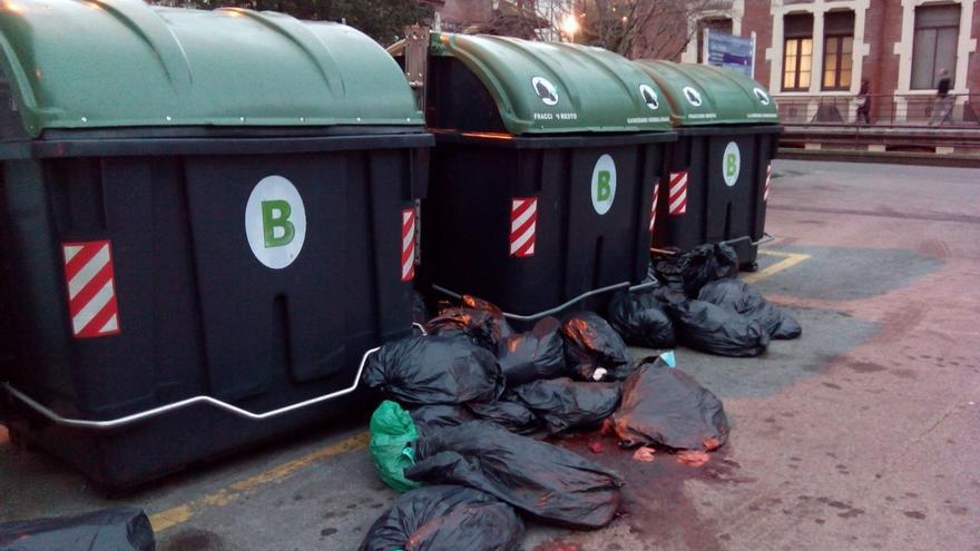 """LAB denuncia la """"irresponsabilidad"""" de la Dirección del Hospital Basurto en la eliminación de residuos"""