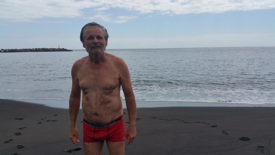 José Antonio Candelario ha estrenado la playa este jueves. Foto: LUZ RODRÍGUEZ.