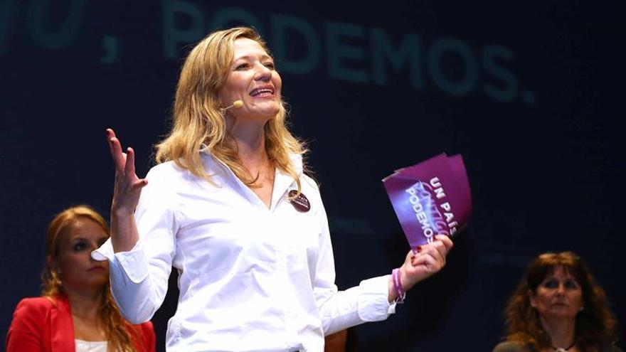 La cabeza de lista de Podemos al Congreso de los Diputados por Las Palmas en las próximas elecciones, Victoria Rosell, durante su intervención de este domingo desde la capital grancanaria EFE/Elvira Urquijo A.