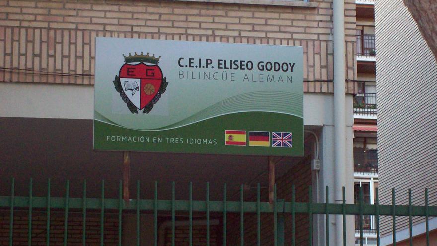 Entrada al Colegio Público Eliseo Godoy Beltrán