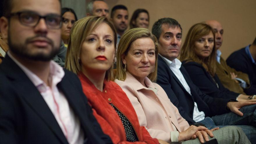 Jordi Pérez (i), Ángeles Fernández, Ana Oramas y Fernando Clavijo, este domingo.