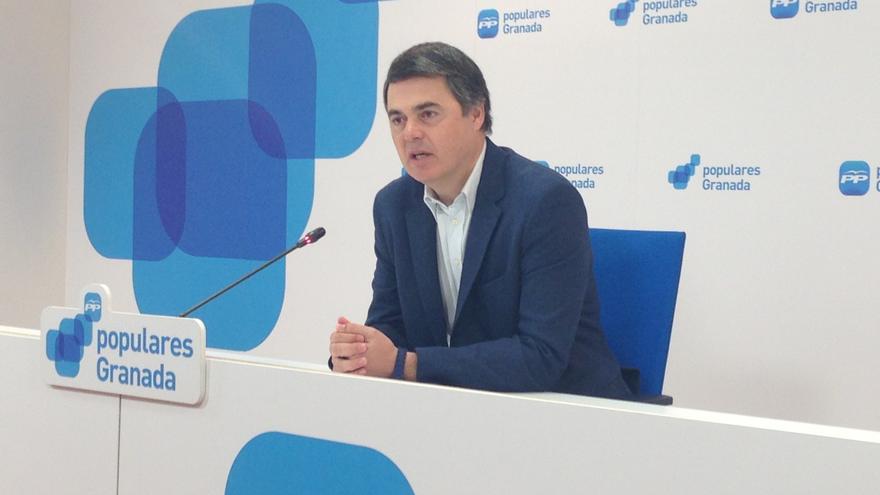 """Rojas (PP-A) acusa a Díaz de """"cómplice"""" del supuesto fraude de los ERE y de los sindicatos si el Parlamento no investiga"""